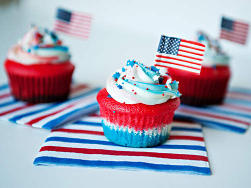 54eb8caa17368_-_fourth-of-july-cupcakes-lgn-32120142